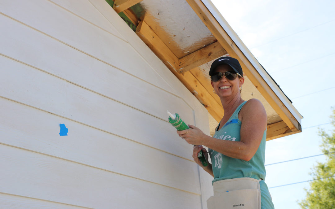 Volunteer Spotlight: Kristen gives back to her community at Women Build